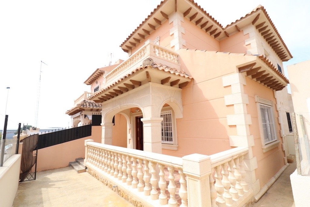 Rijwoning in Torrevieja - Bestaande bouw - Van Dam Estates