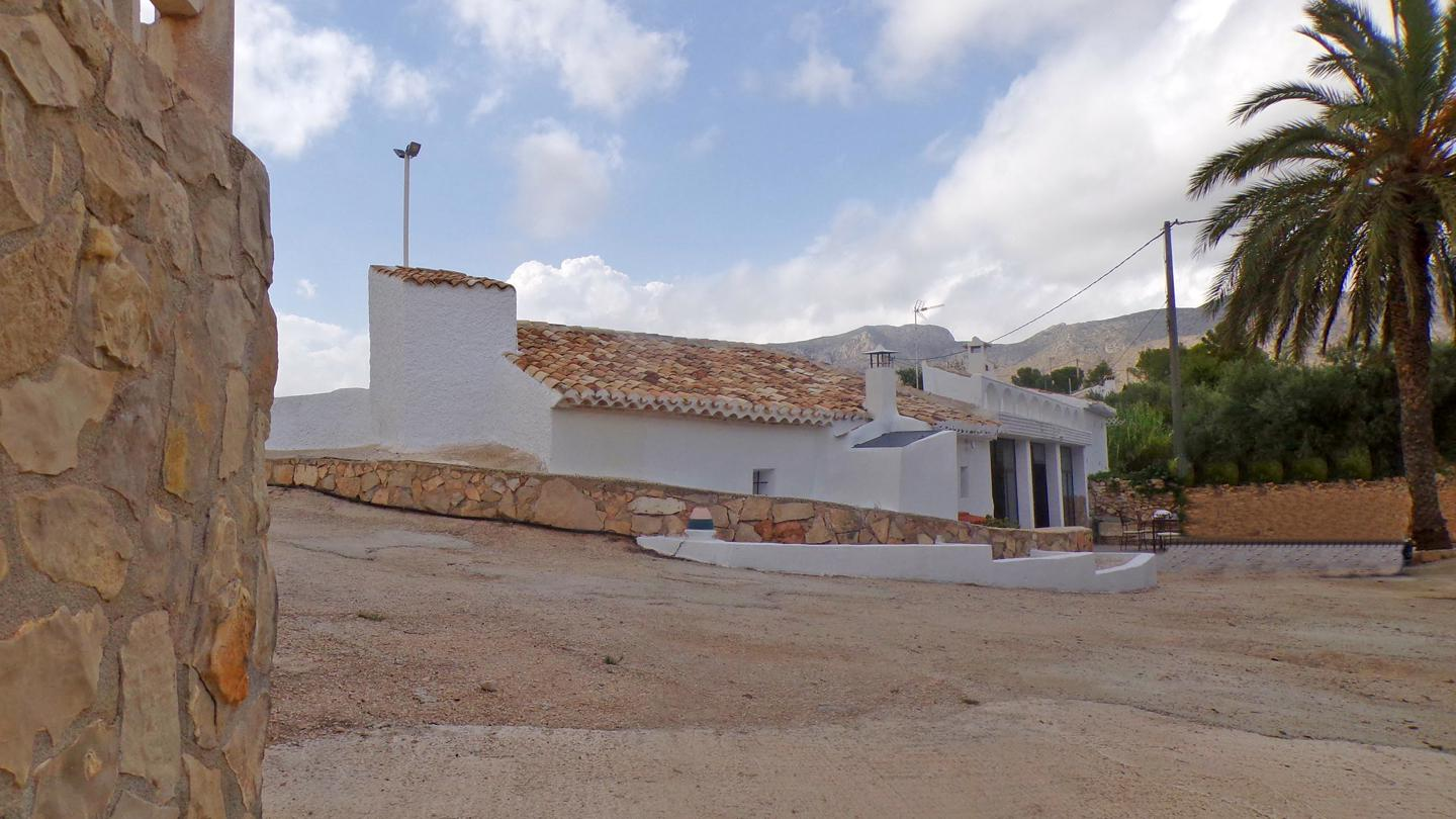 Detached Villa in Hondon De Las Nieves - Resale - Van Dam Estates